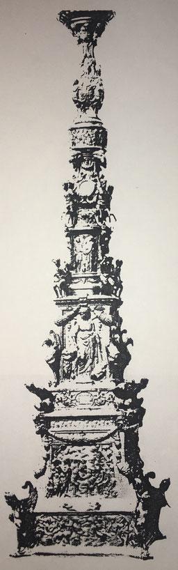 """Fig. 1.- Gran candelero estilo Renacimiento italiano. Obra de """"El Riccio"""". (Basílica de San Antonio, Padua)"""