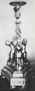 Fig. 2. -Torcheres Luis XIV, perteneciente a la Cámara Real del palacio de Versalles. Son piezas muy similares a los Guerrindón, pero destinadas a un diferente uso.
