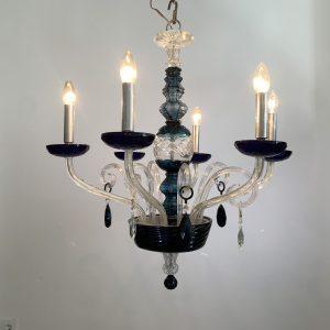 Lámpara clásica con tinte azul