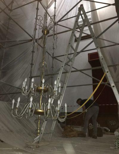 montaje lámpara de cristal